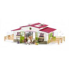 Schleich Игровой набор Конюшня Центр верховой езды