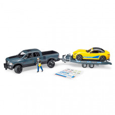 Внедорожник Ram с автомобилем Roadster Bruder